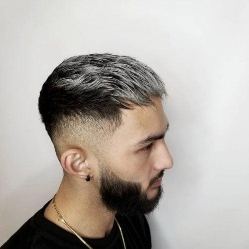 Meruncing Undercut untuk Rambut Hitam dan Perak