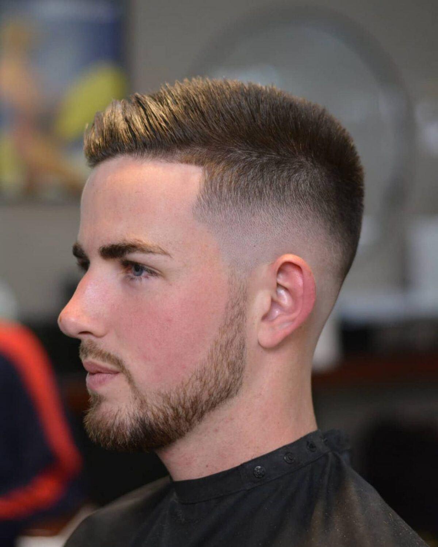 Desvanecimiento calvo con corte de barba