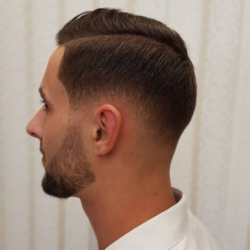 Botak Pudar dengan Tanaman Bertekstur