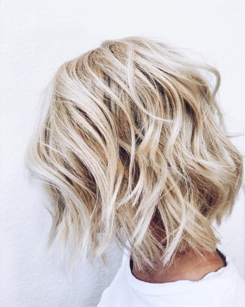 Beachy Textured Lob hairstyle