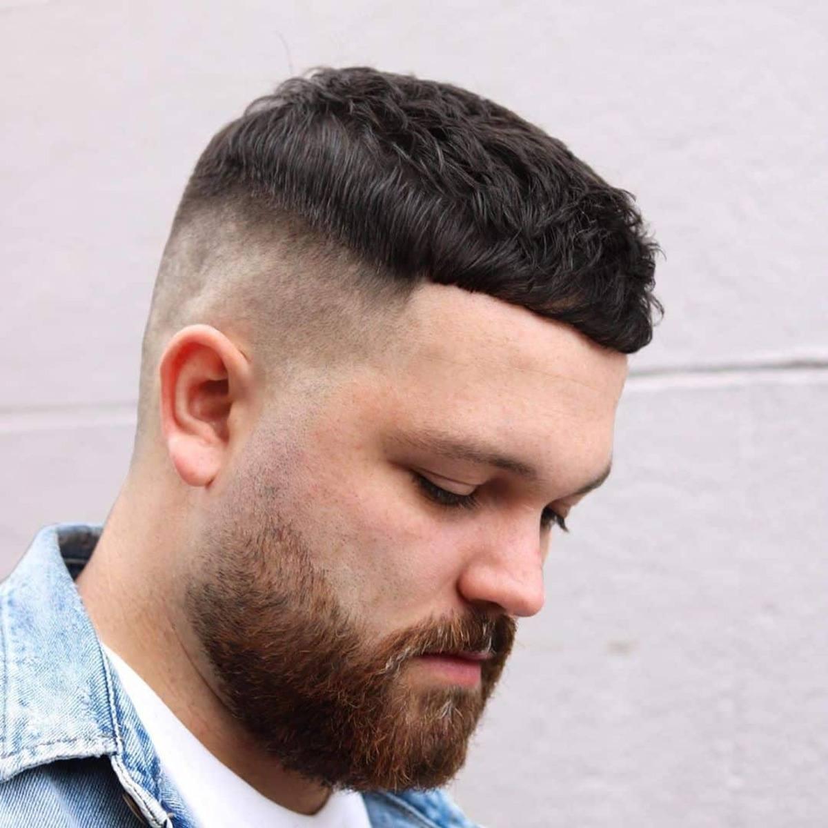 Desvanecimiento de barba para chico blanco