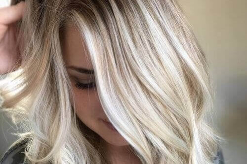 Bleach Blonde With Lowlights