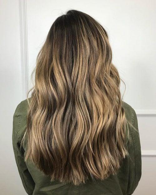 cabello largo y romo con capas intermedias
