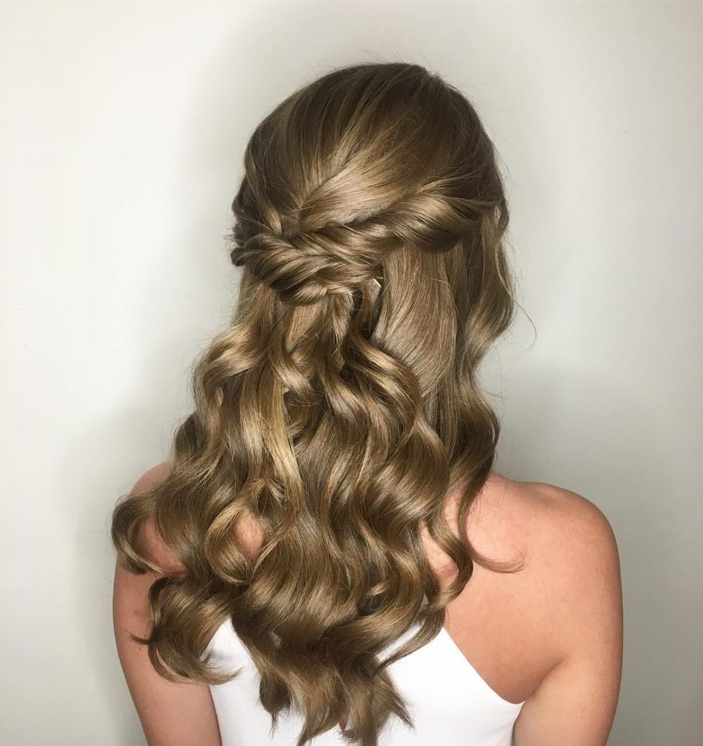 Bouncy Half Up Half Down hairstyle