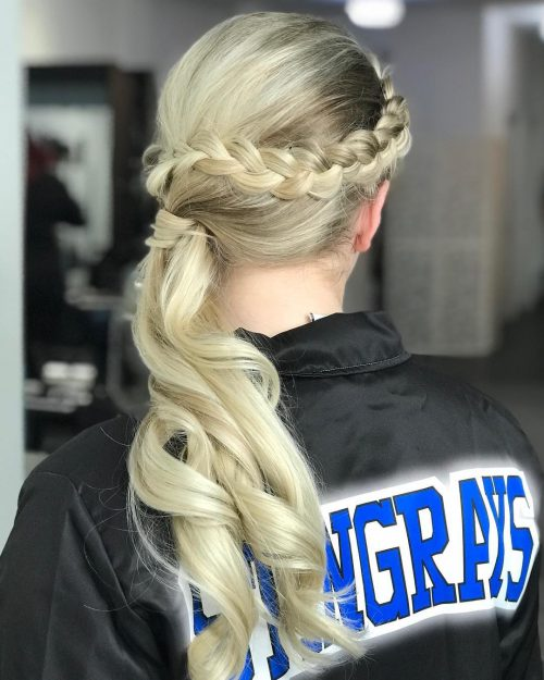 Picture of a braid adorned side pony
