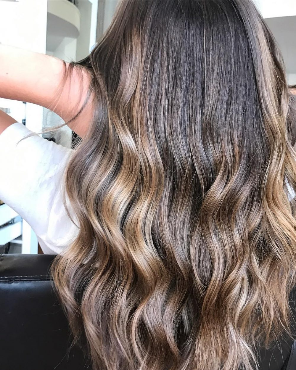 Bright Caramel Waves hairstyle