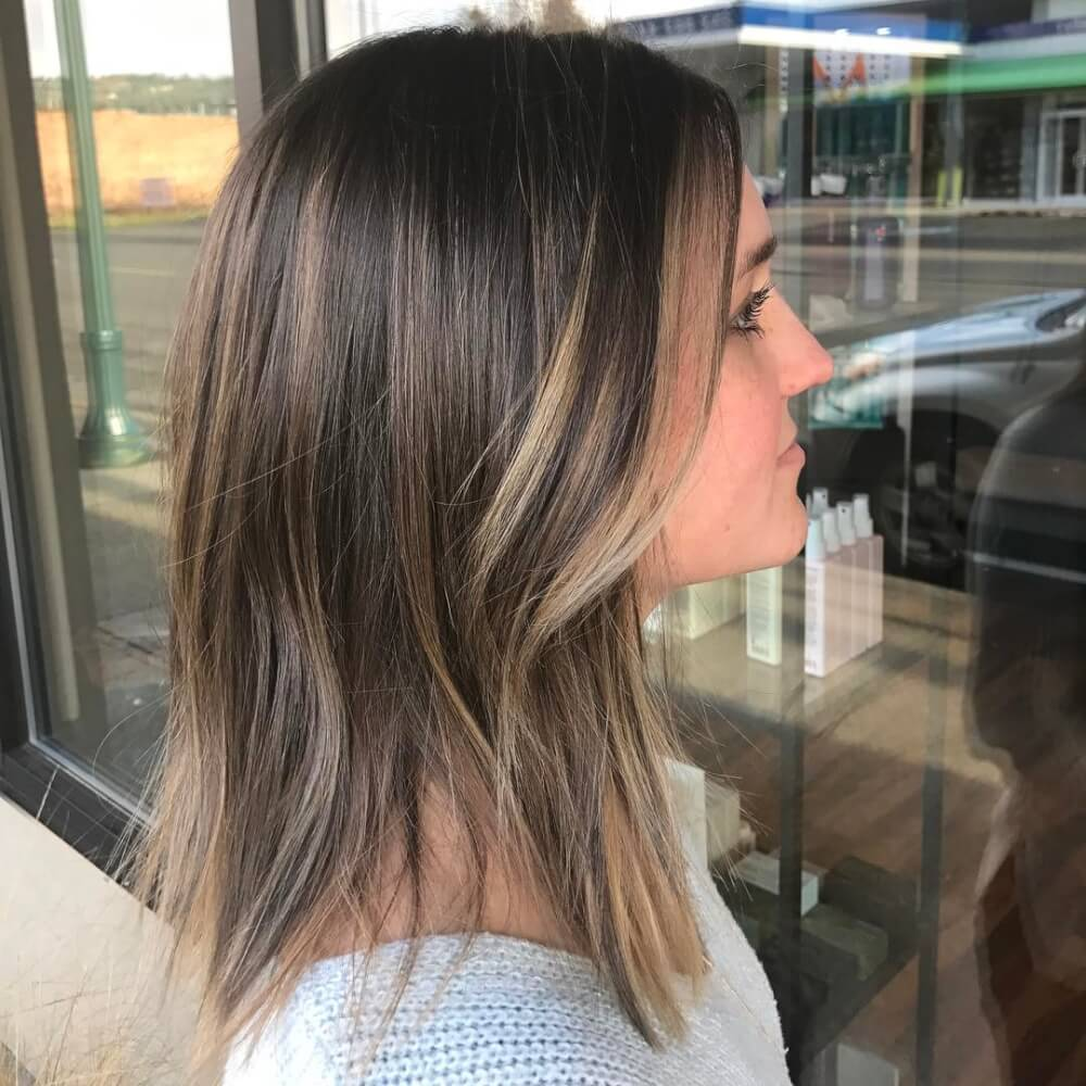 A soft and easy hairstyle just below shoulder-length