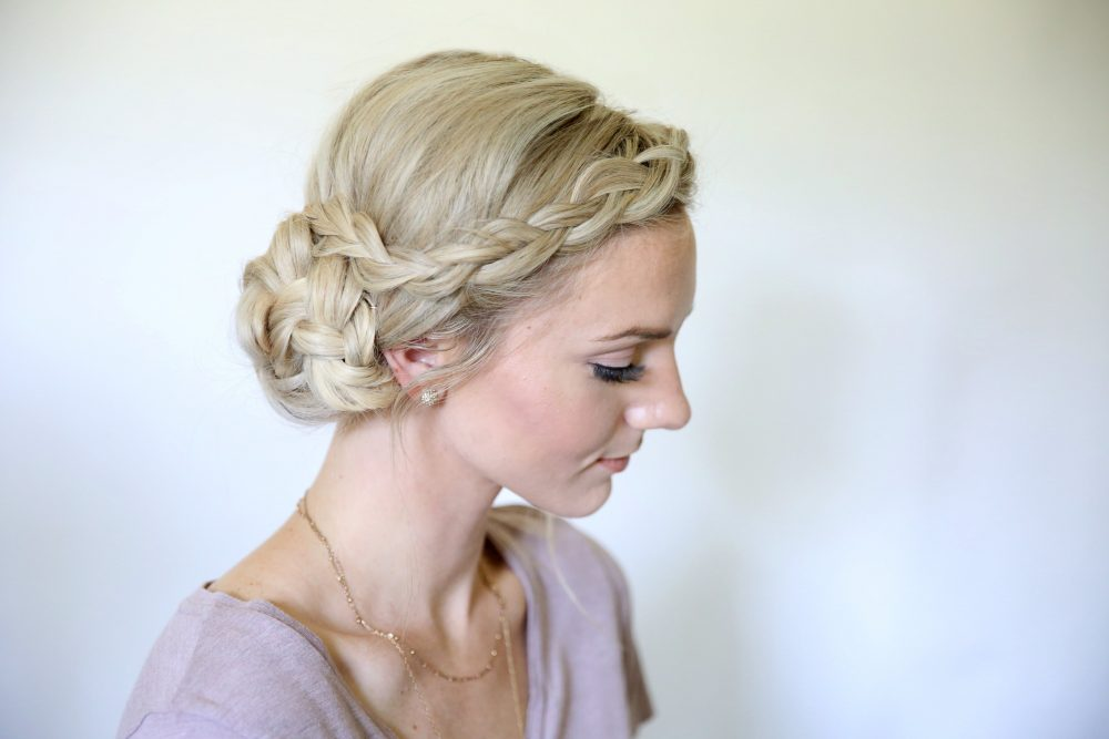16 Cute & Easy Bun Hairstyles to Try in 2020