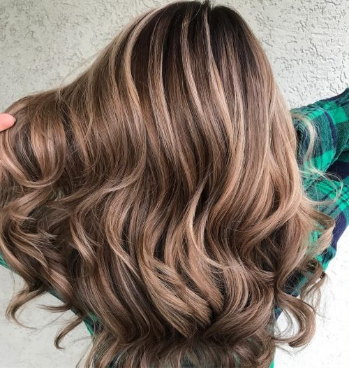 Picture of a caramel cream dimensional balayage caramel brown