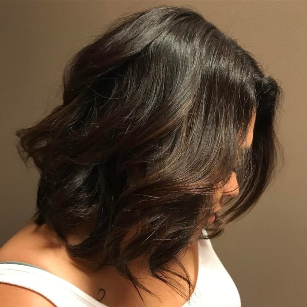 A picture of medium length layered hair