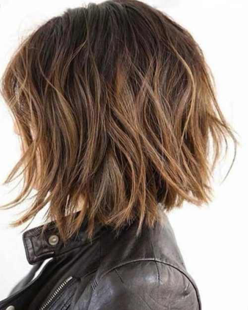 21 Short Choppy Haircuts Women Are Getting In 2021