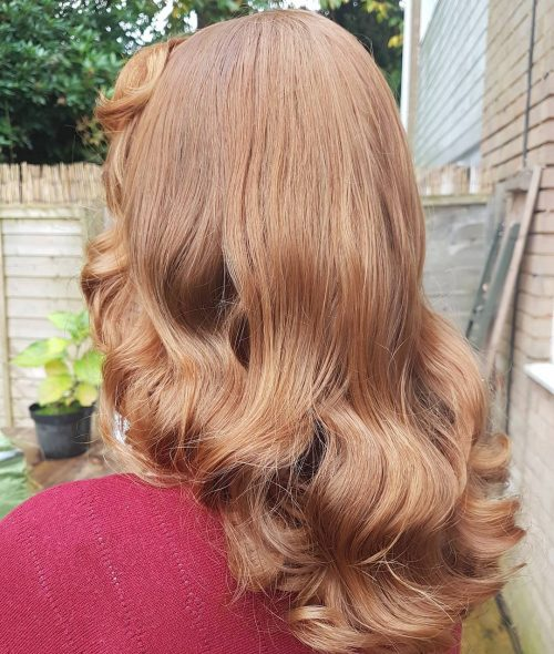 Classic Vintage Set hairstyle