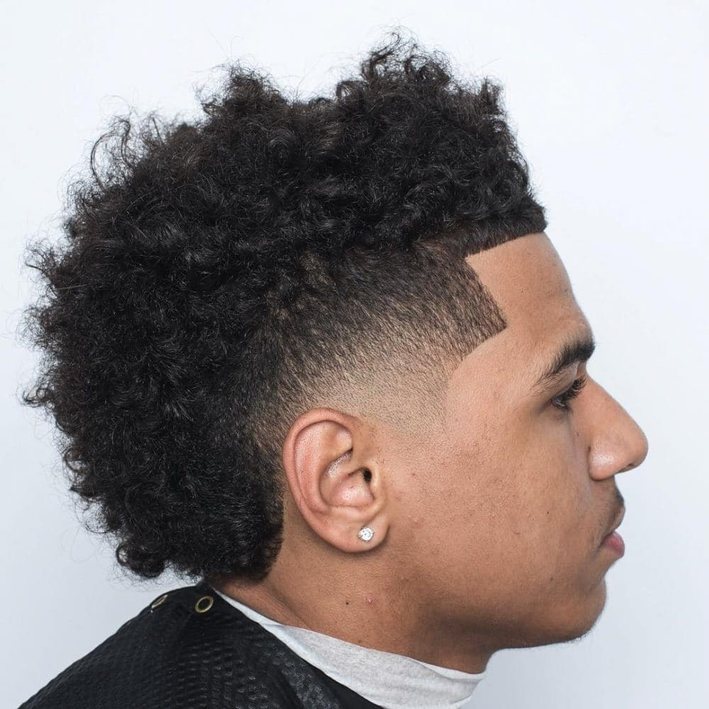 29 Sexiest Men S Hairstyles For Curly Hair Updated For 2018