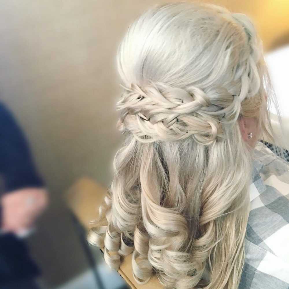 Mother of the Bride Hairstyles: 24 Elegant Looks for 2018