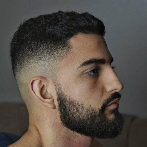 Decoloración del cabello rizado con barba