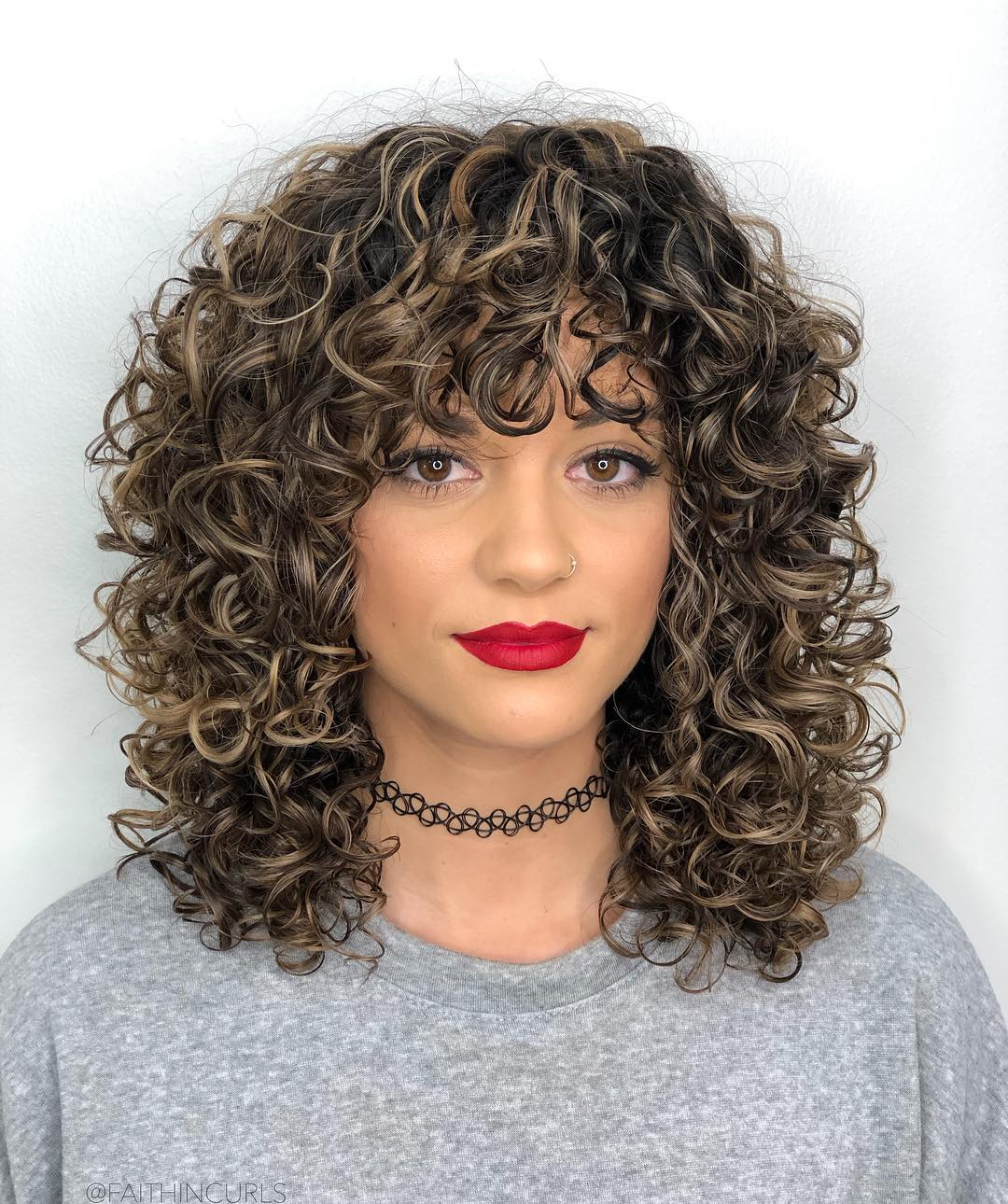 9 Best Ways to Have Curly Hair with Bangs in 209