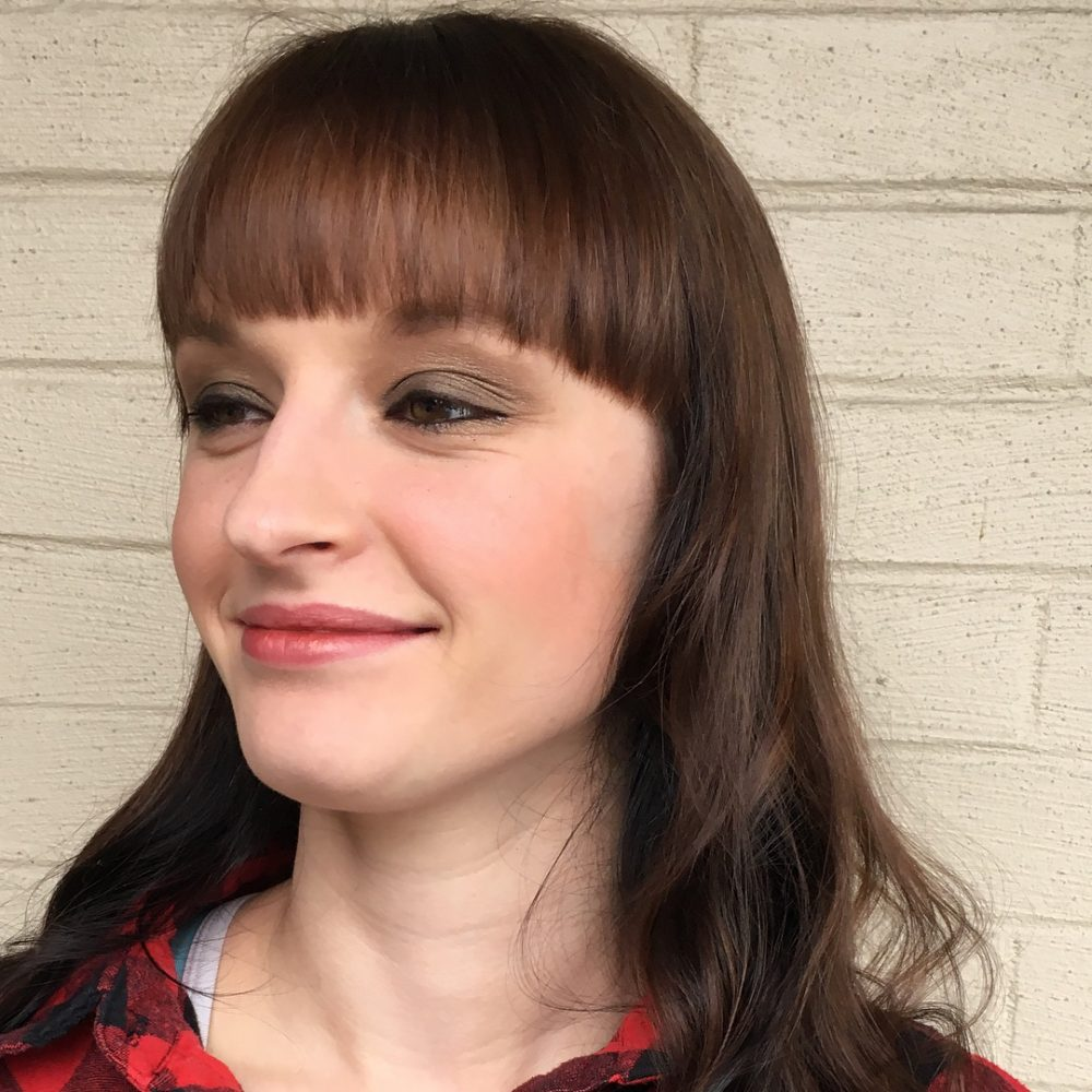 Curved Full Fringe hairstyle