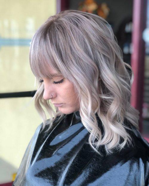 Cute Shoulder Length Haircut for Wavy Hair