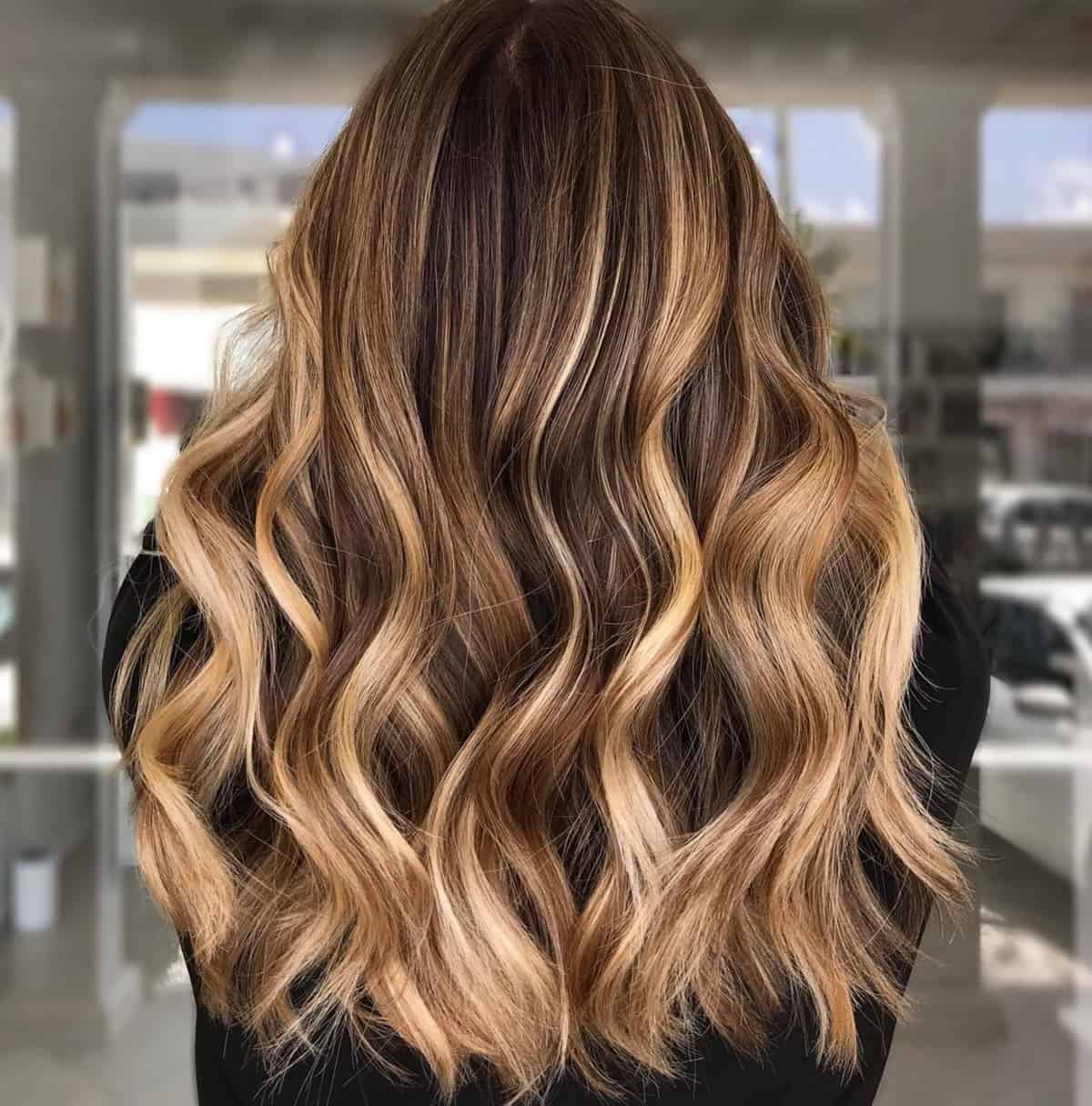 Dark and light honey blonde hair color