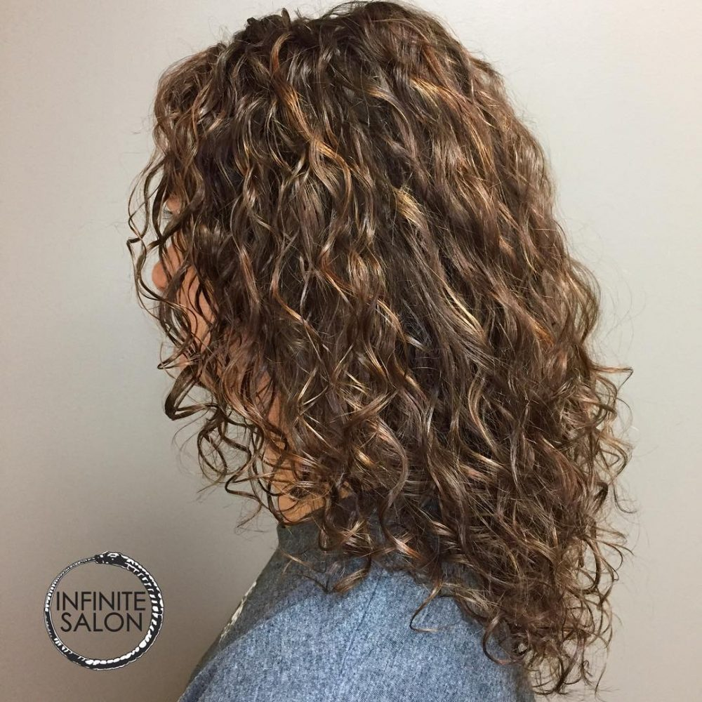 30 Gorgeous Medium Length Curly Hairstyles For Women In 2019