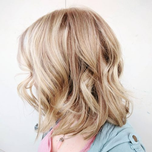 Picture of an easy to maintain and textured blonde with lowlights