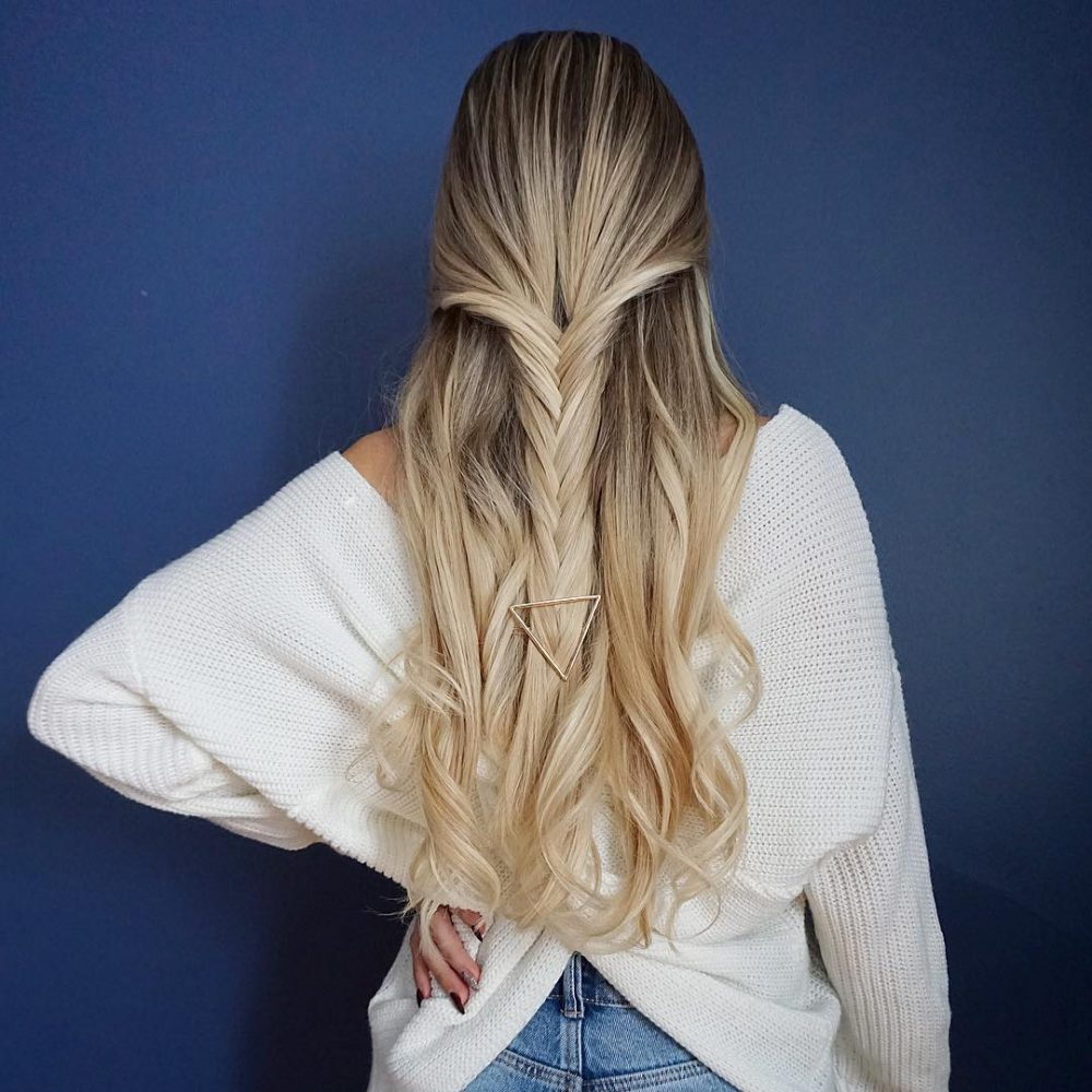 Effortless & Chic hairstyle