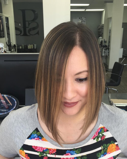 effortless classic short hairstyle women