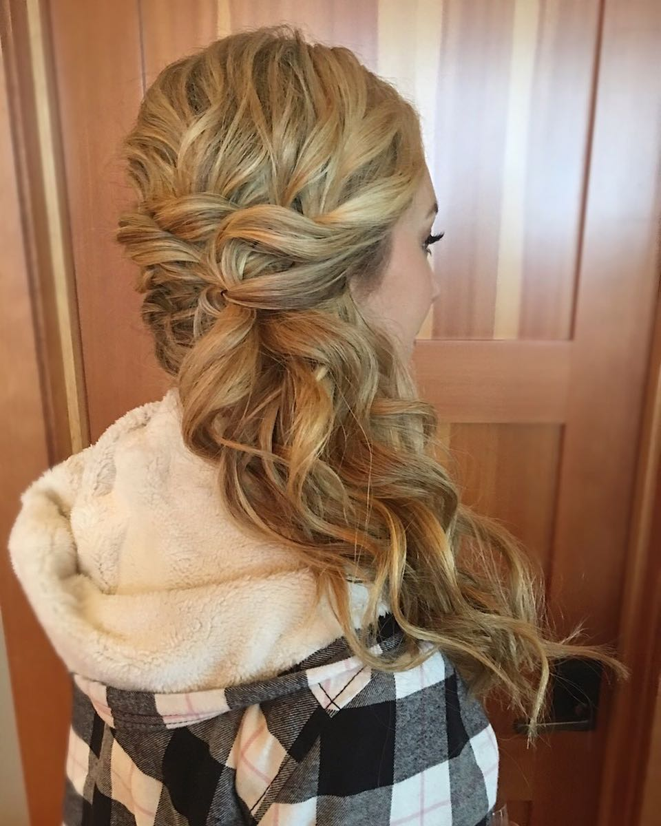 Effortlessly Side Swept hairstyle