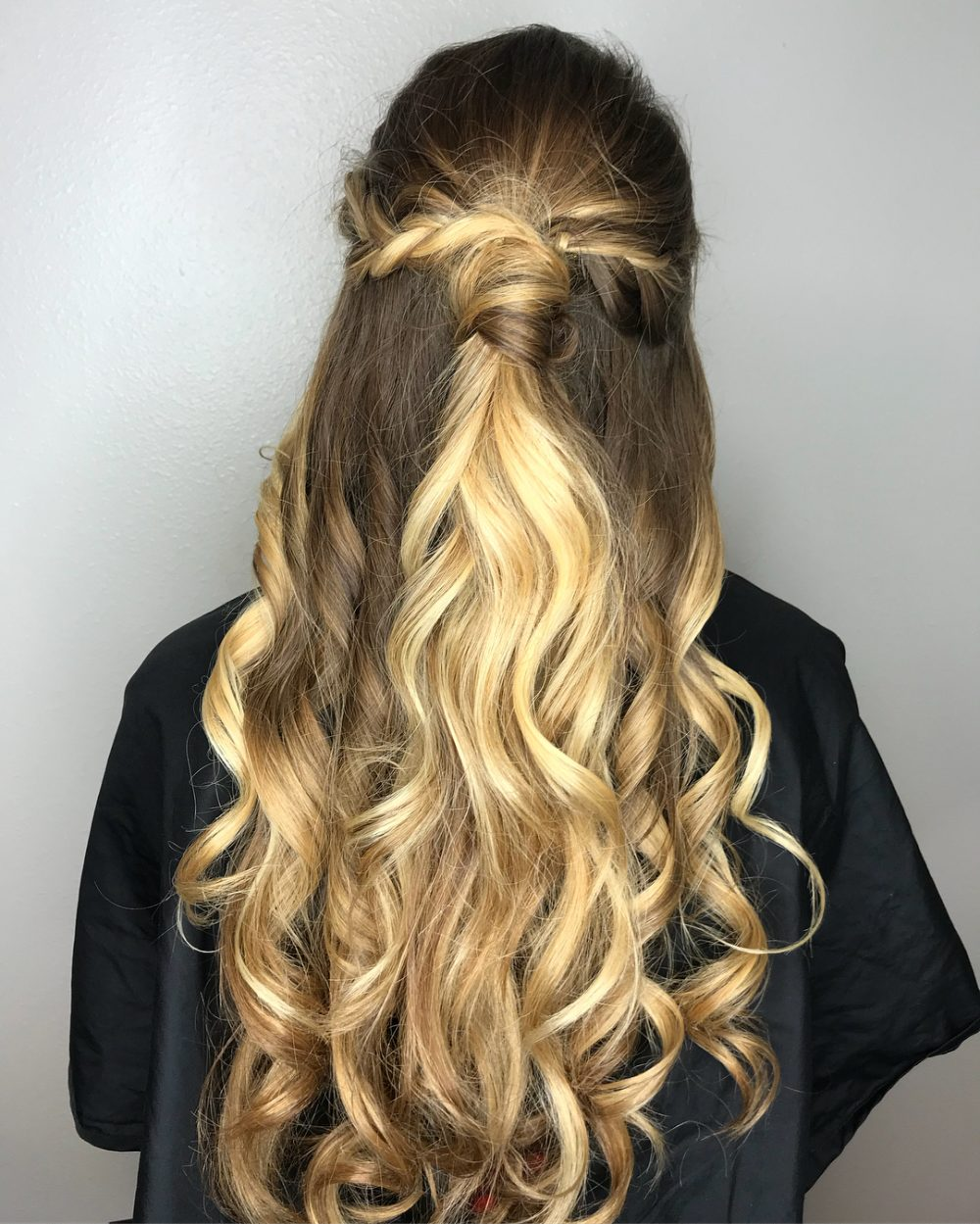Elegant Half Up Look hairstyle
