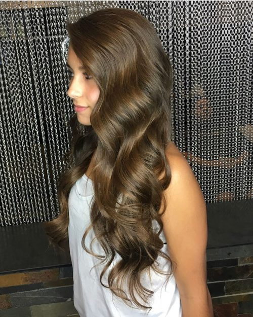 Picture of extra long jumbo curls for prom