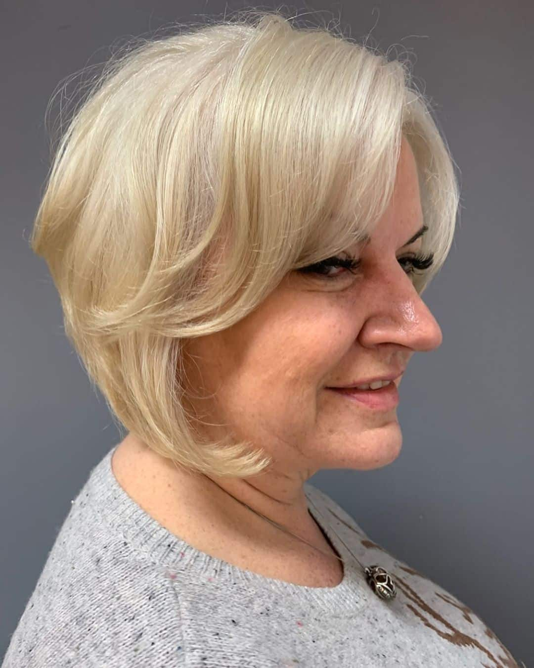15 Slimming Short Hairstyles for Women Over 50 with Round Faces