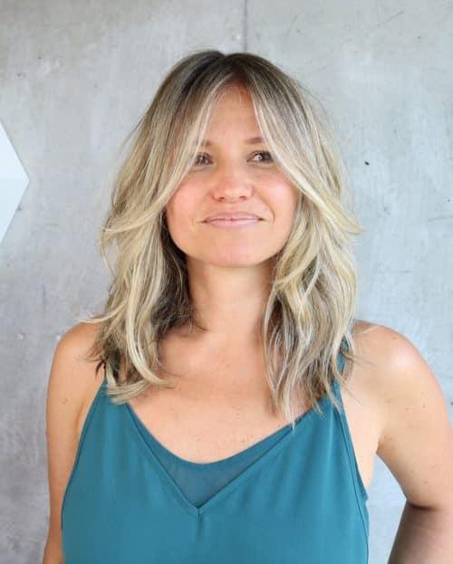 medium to long face-Framing shaggy layered haircut