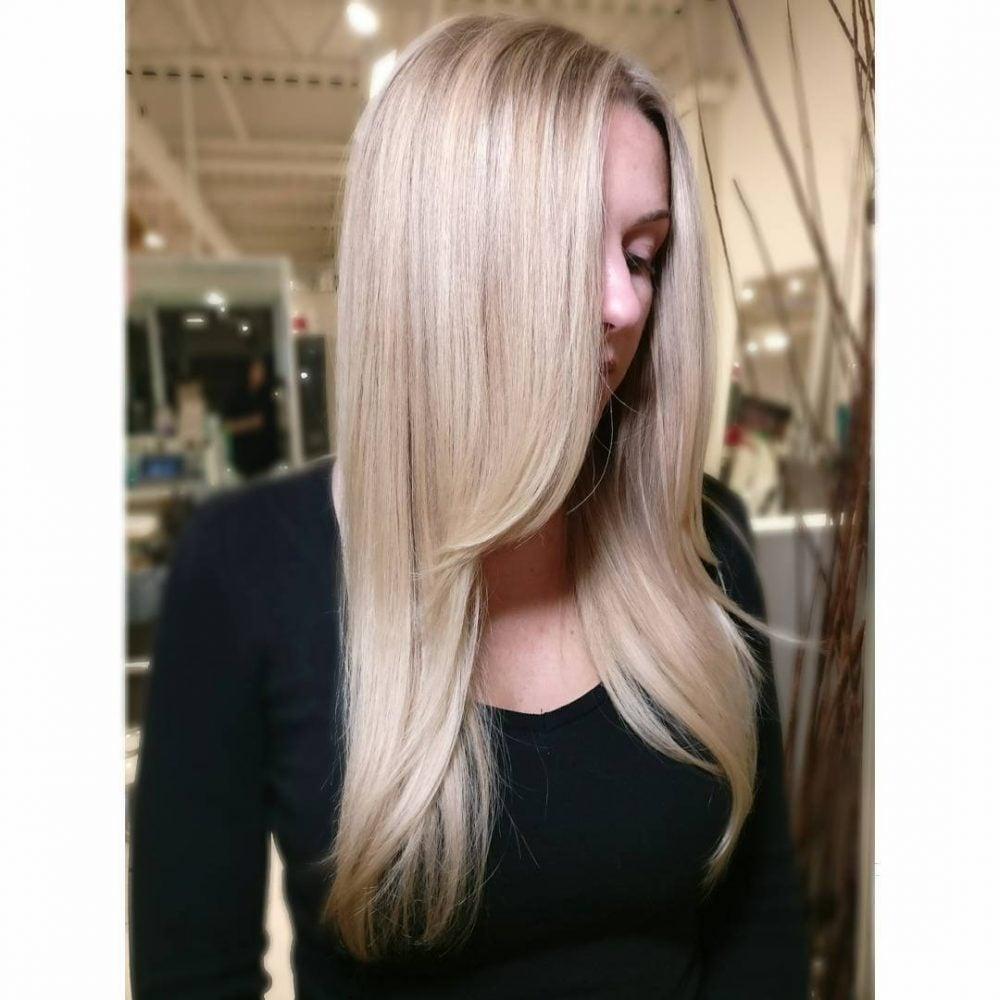 Face-Framing Side Bangs hairstyle
