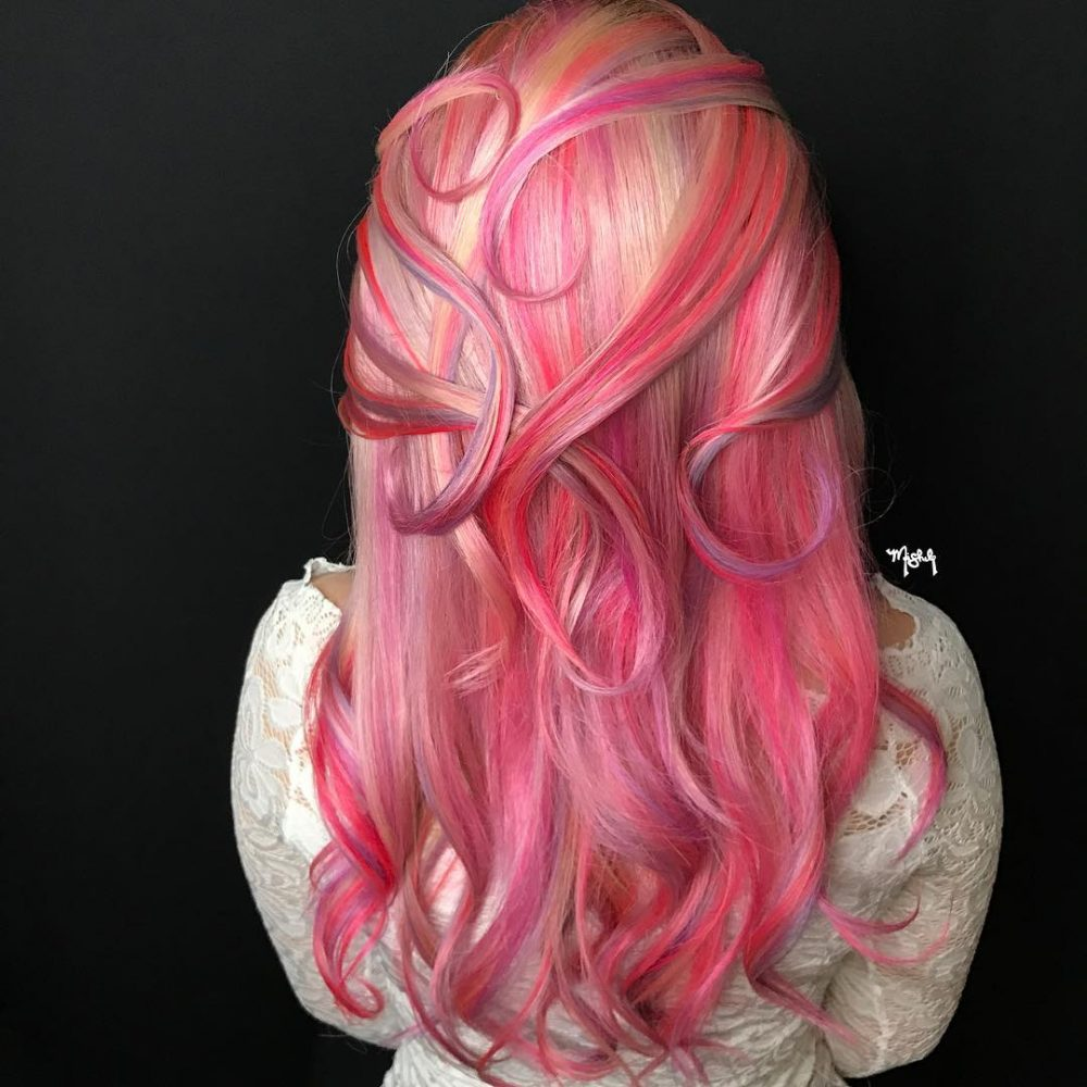 Free-Flow Fashion Color hairstyle