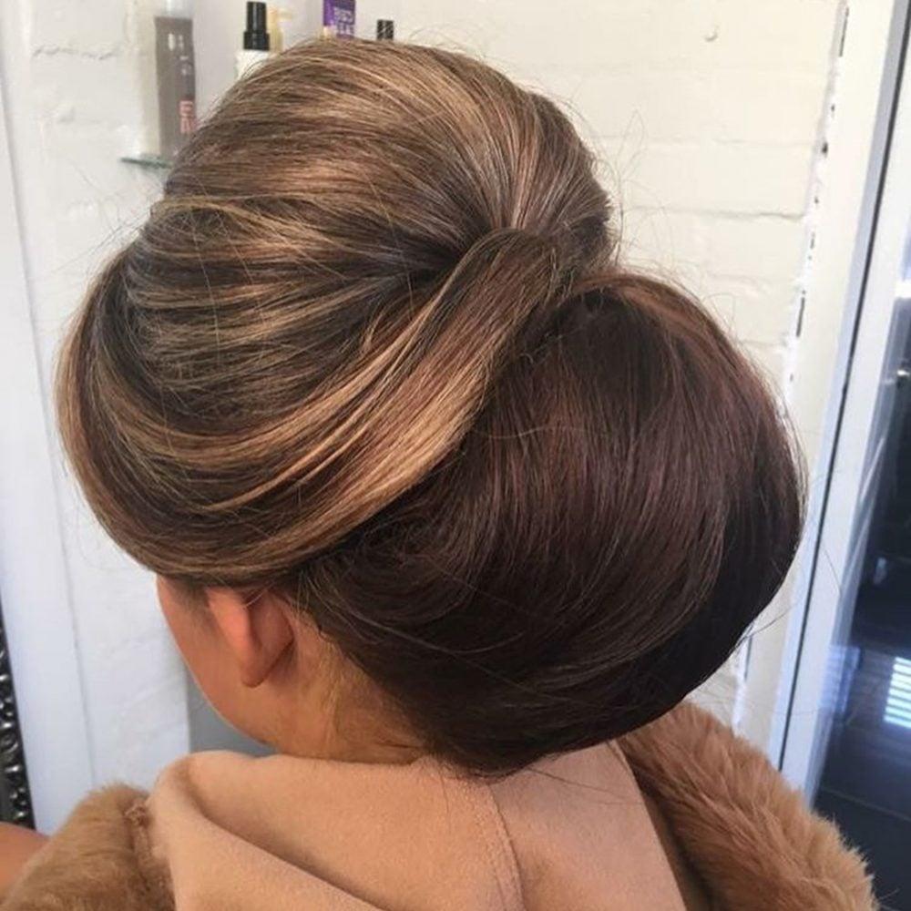 Glamorous 60s Chignon hairstyle