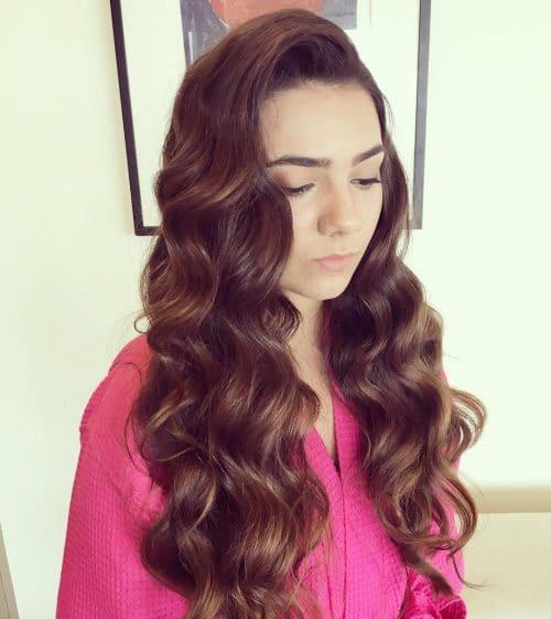 Glamorous Hollywood Waves hairstyle