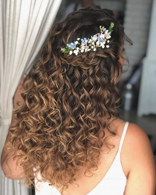 27 Prettiest Half Up Half Down Prom Hairstyles For 2019