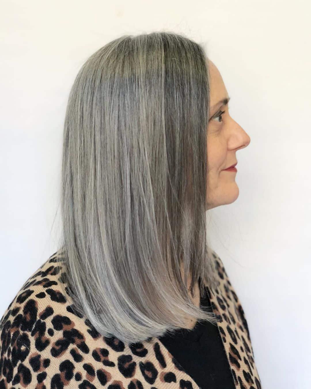 Un globo gris para mujeres mayores de 50 años con cara redonda.