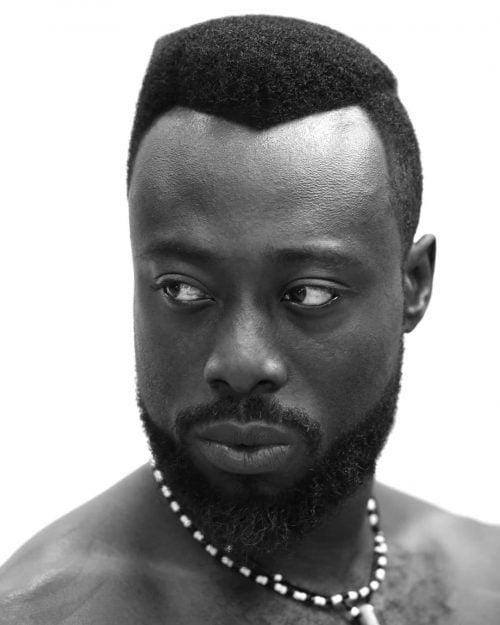 Afro alto y apretado para hombres negros