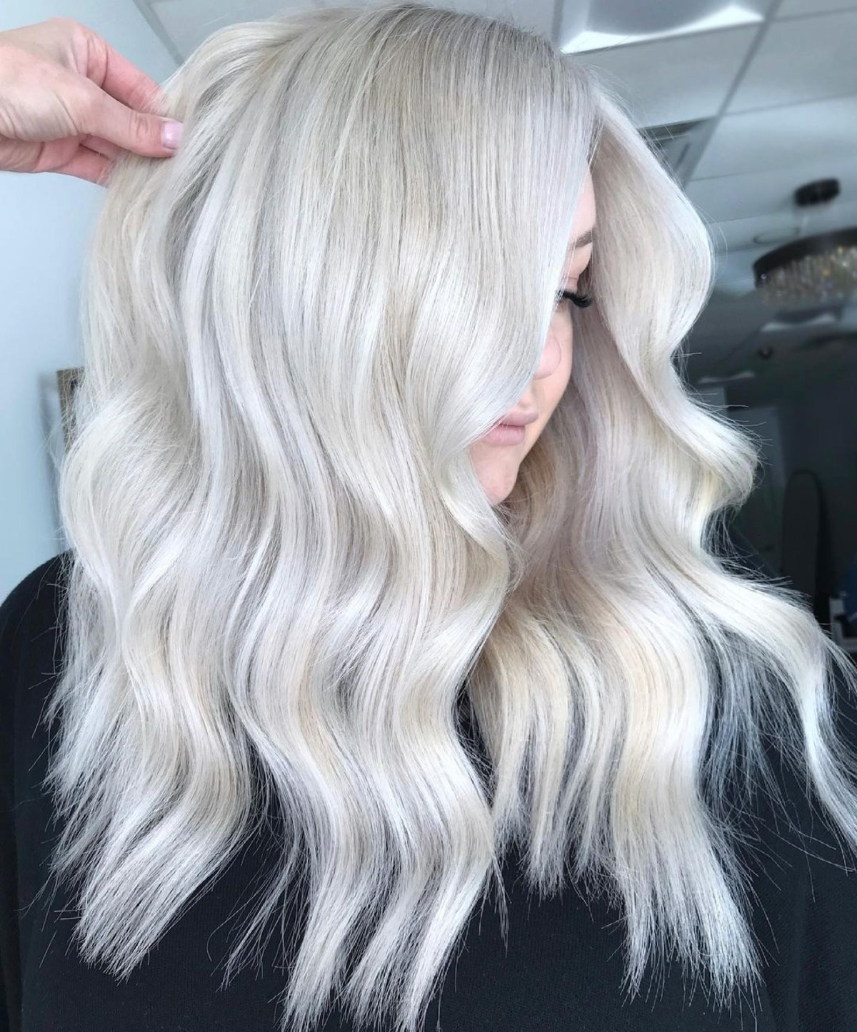 A platinum blonde with dimensional tones