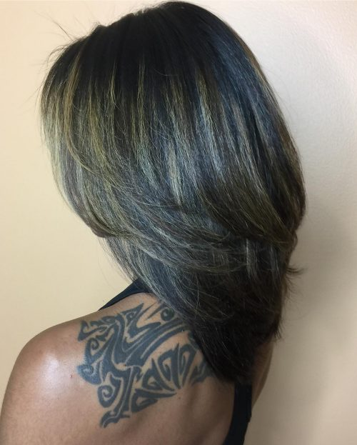 15 Perfect Middle Part Bob Hairstyles Weaves Sew Ins Etc