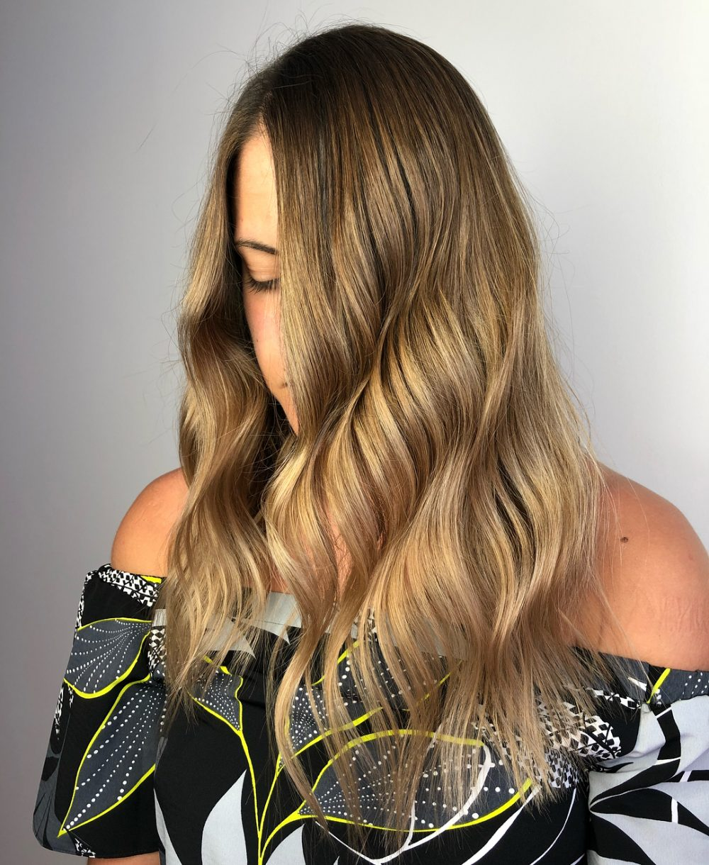 Lived-In Effortless Glam hairstyle