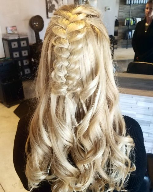 Perfect Prom Hairstyles: 27 Prettiest Half Up Half Down Prom Hairstyles For 2020
