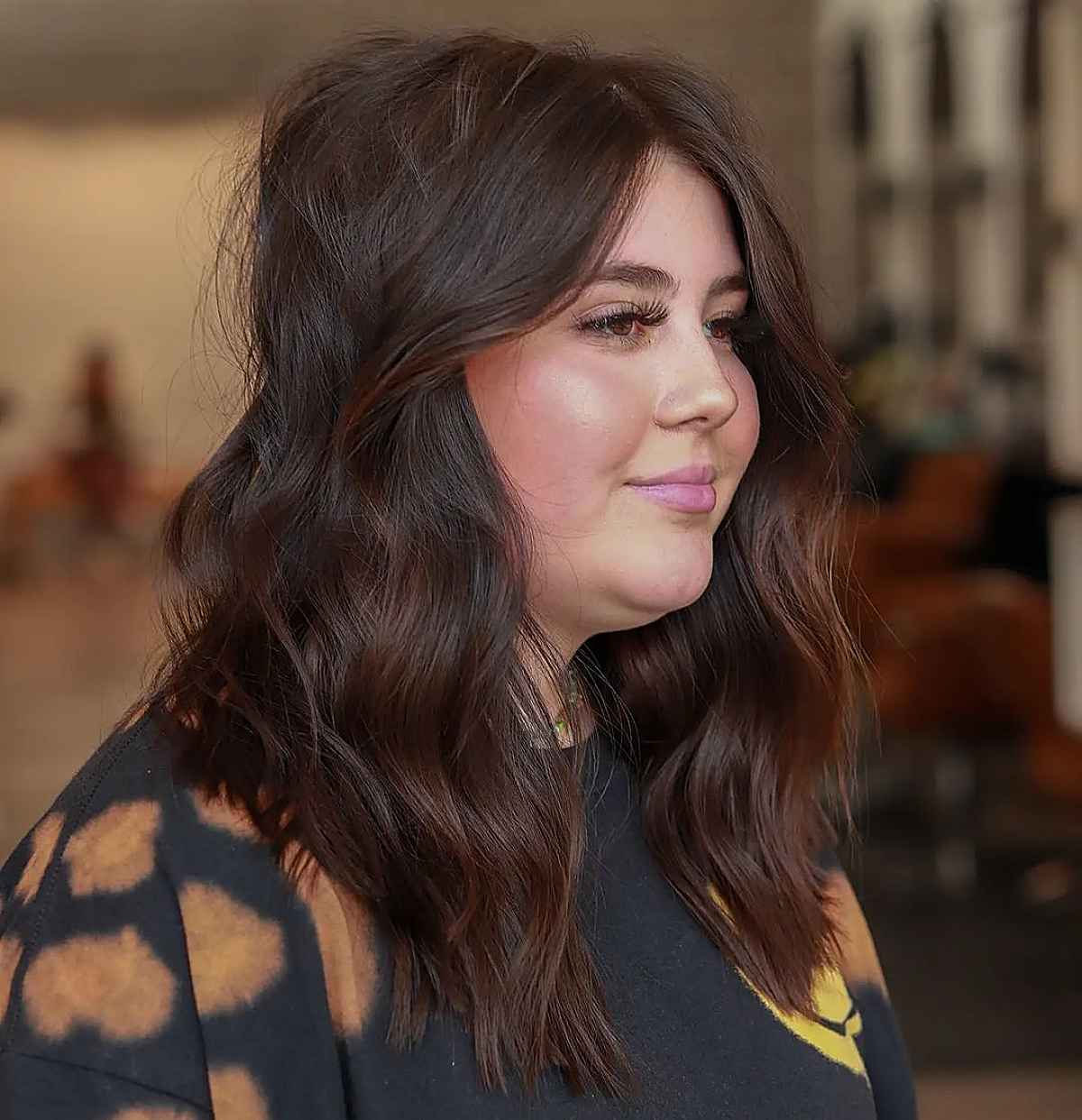long layered haircut for round face shapes