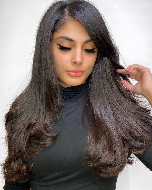 de largo con una raya lateral profunda para cabello lacio