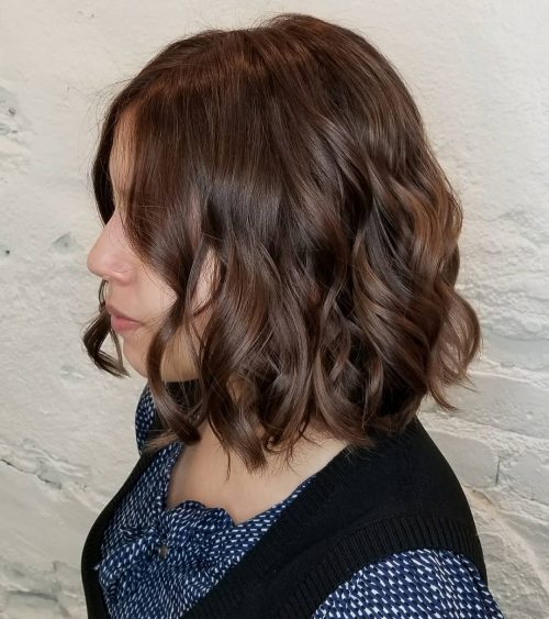 Picture of a short and simple loose chocolate brown waves