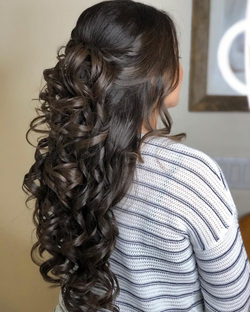 15 Quinceanera Hairstyle Ideas For Her Special Day
