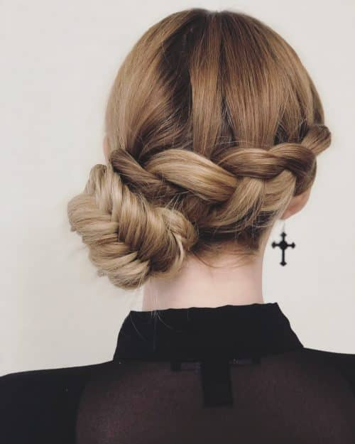 31 Professional Hairstyles For Every Type of Workplace in 2019