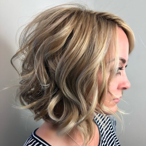 Medium Layered Bob Wavy