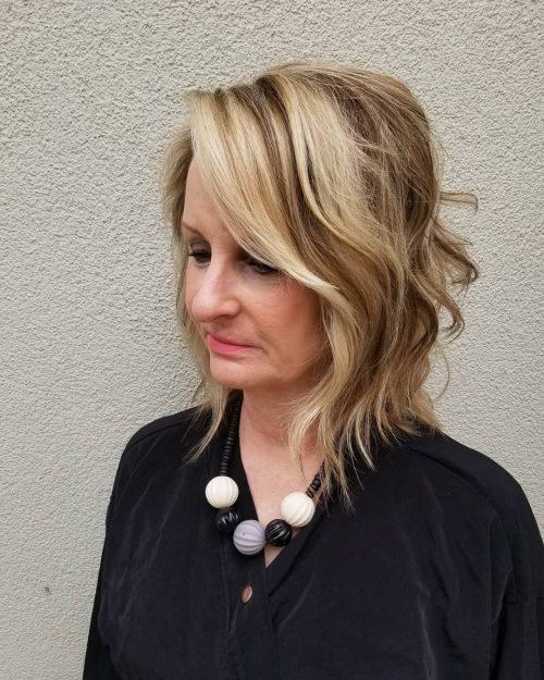 Pelusa desordenada para mujeres con cabello fino y fino